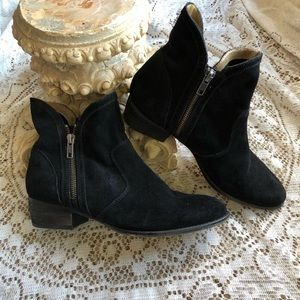 Seychelles black suede leather side zip booties